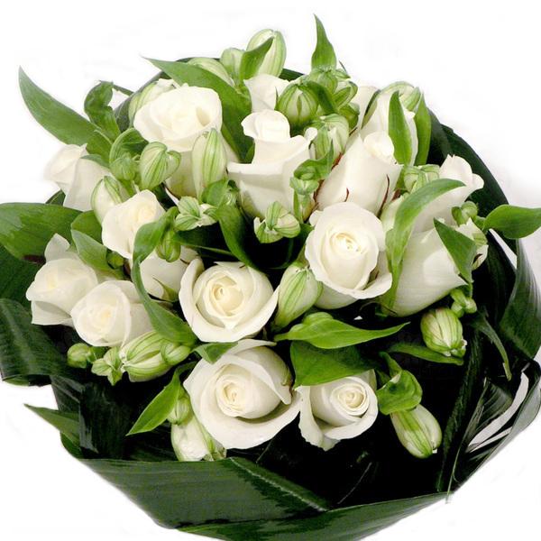 """""""На счастье"""". Свадебный букет белых роз"""