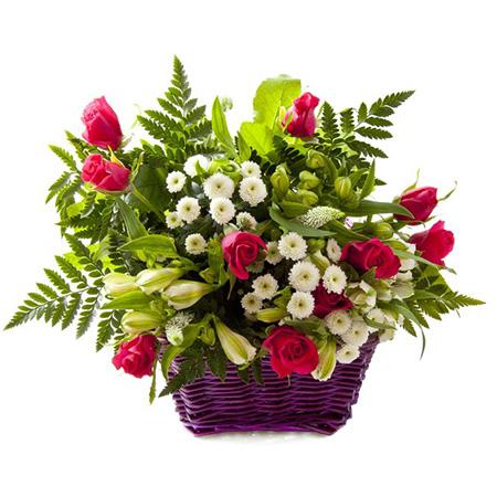 """""""Розалина"""". Корзина роз и хризантем"""