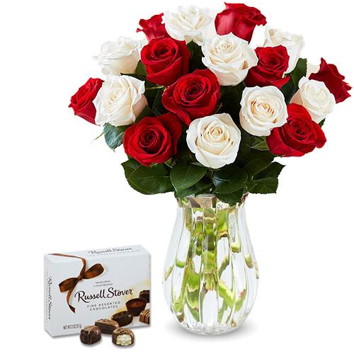 """""""Плезир"""". Букет роз и коробка конфет Премиум-класса"""